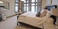 Sypialnia glamour - stylowe wnętrze